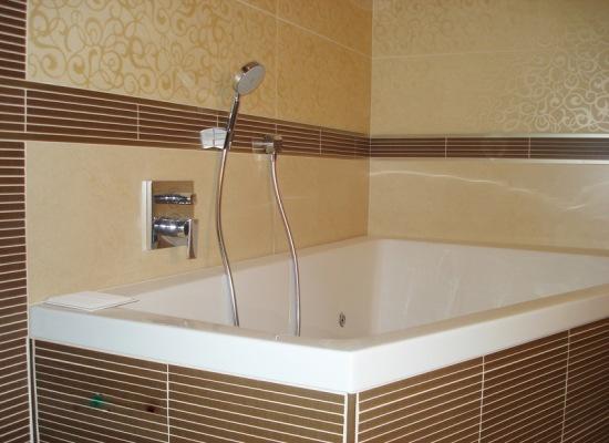 Стены в ванной комнате своими руками панелями